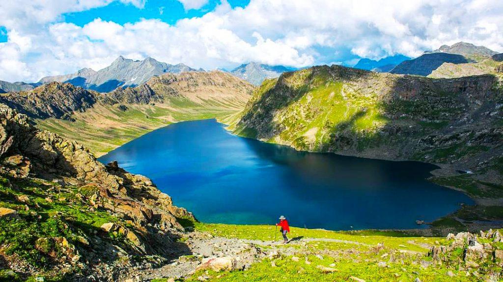 Short Alpine Lake trek